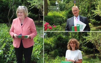 Monika Hochwald, Eva Beez und Ingo Doepke mit Ehrennadel ausgezeichnet